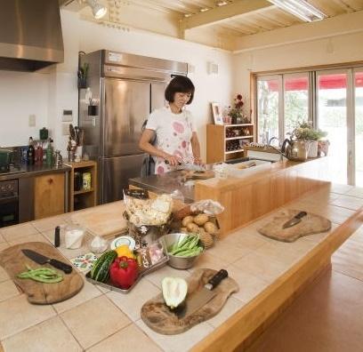 月に一度参加できる少人数制料理教室。 第一水曜は『おひさまEEJ』ゆっくり3~8km走って着替えて料理教室。