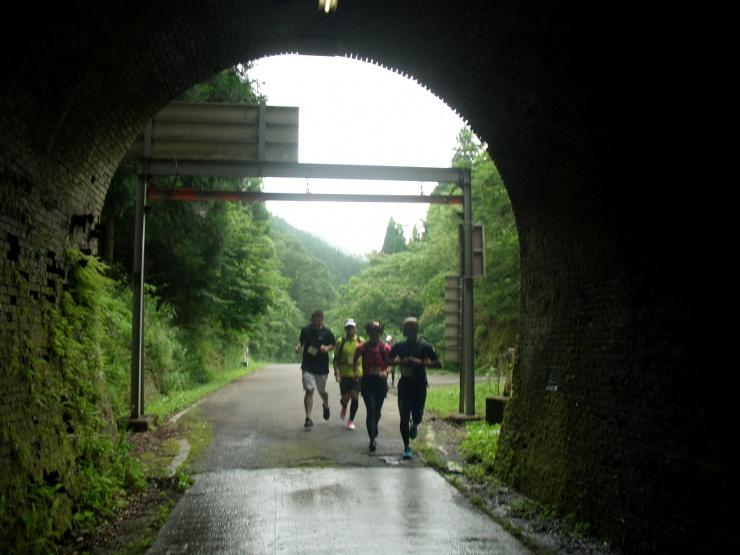ロードも トレイルも 隧道も・・・・ たのしいとこ どんどこ駈ける 駈る