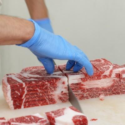 新鮮なお肉をお届けします。