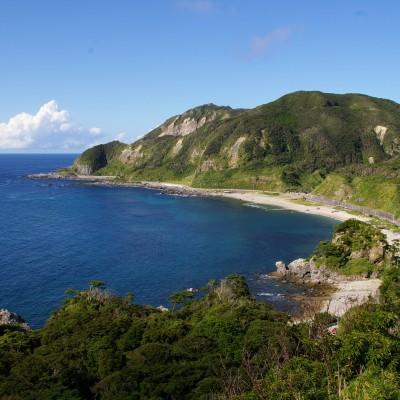 神津島(長浜展望台から望む)