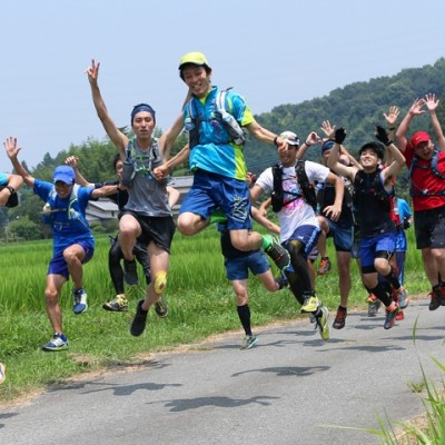 細かいアップダウンを繰り返す「燃焼系トレイル」へ!/初級者向けトレイルランニングツアー(埼玉県)