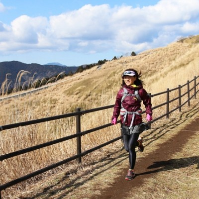 眺望抜群の稜線へ出れば登りの疲れも吹き飛ぶかも…!?初級者向けトレイルランニングツアー(神奈川県)
