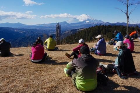 山頂は富士山の大展望!初級者向けトレイルランニングツアー(神奈川県)