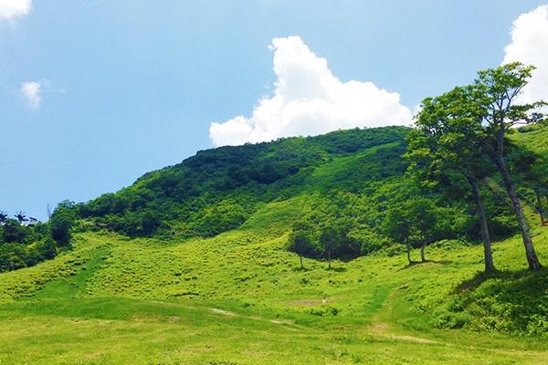 厳しい坂道を走る霊峰八海山コース(南魚沼市)