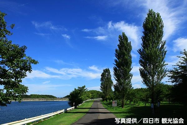 アップダウンのある湖畔を走る伊坂ダム周回コース(四日市市)