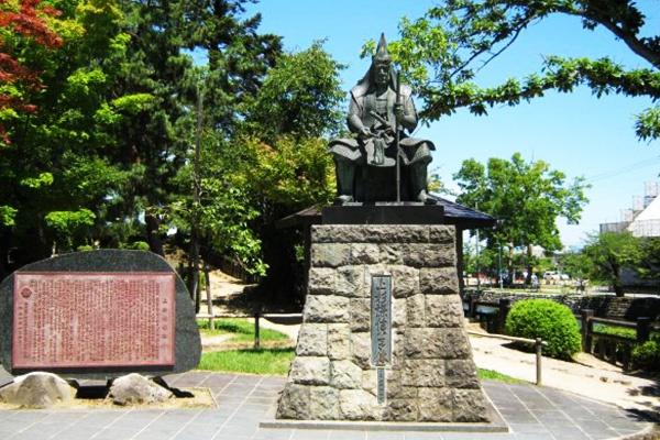 上杉家ゆかりの地、米沢市内観光ランコース(米沢市)