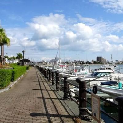 新町川沿いを走る。ケンチョピアみなと公園コース(徳島市)