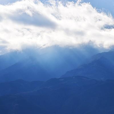 タフな上り坂!櫛形山を目指す眺望コース(南アルプス市)
