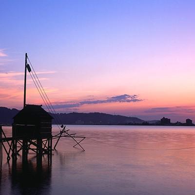 温泉の湧く東郷池をめぐるコース(湯梨浜町)