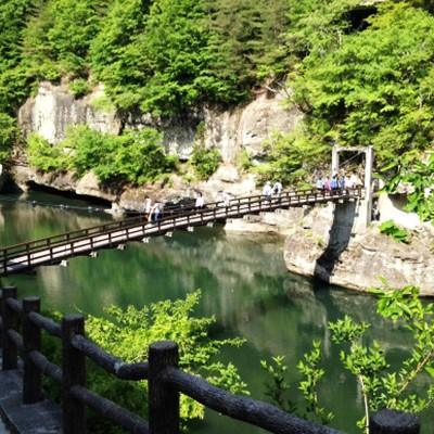 100万年の時を刻む断崖、塔のへつり~渓谷コース(下郷町)