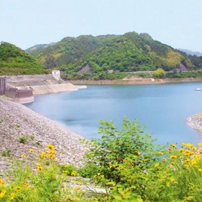 末武川のダム湖、米泉湖外周コース(下松市)