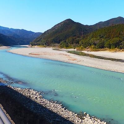 高田雲取温泉から「世界遺産・熊野川」コース(新宮市)