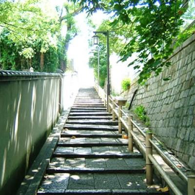 風情ある石坂を走る。天王寺七坂社寺めぐりコース(大阪市)