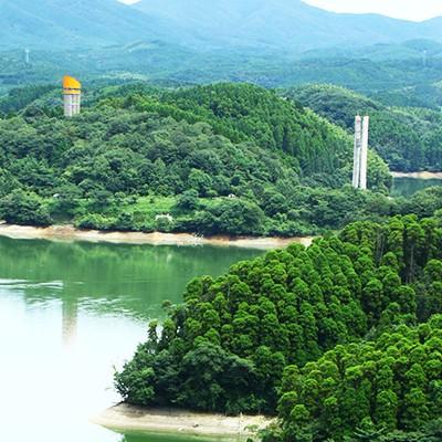 ダム湖周囲を走る北山湖サイクリングコース(佐賀市)