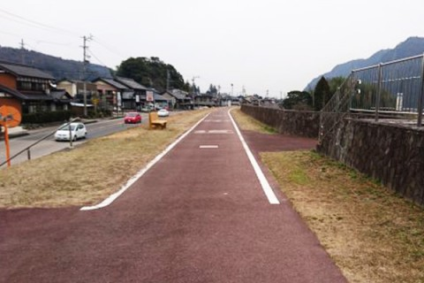美しい木曽川沿いを走る。ロマンチック街道コース(美濃加茂市)