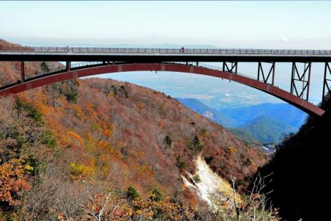 橋と渓谷の絶景ポイント、高湯温泉ヒルクライムコース(福島市)