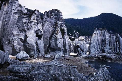 奇岩の海岸線・仏ヶ浦~牛滝漁港ルート(佐井村)