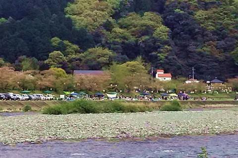 水の都・西条の「加茂川河川敷」コース(西条市)