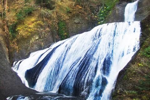 日本三名瀑のひとつ・袋田の滝往復コース(大子町)