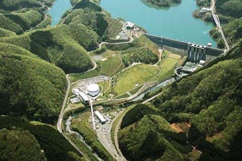山々に囲まれた日吉ダム・天若湖ぐるり眺望コース(南丹市)