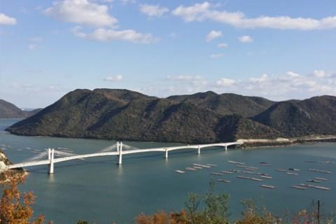 備前日生大橋を渡る鹿久居(かくい)島コース(備前市)