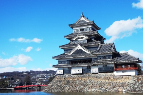国宝、松本城と市街地をめぐる観光コース(松本市)