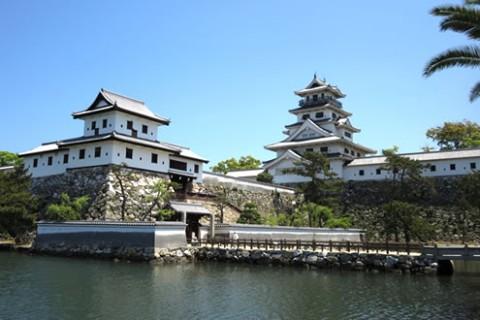 日本三大水城のひとつ「今治城」外周コース(今治市)