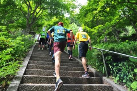 急坂と108段の階段!千光寺修行ランコース(高山市)