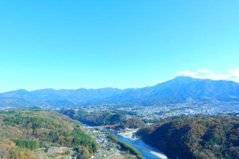 美しい村と清流に沿って「つちのこ探索ラン」(東白川村)