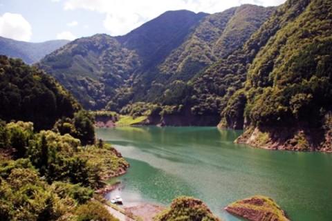 大井川上流の渓谷を走る!接岨峡温泉コース(川根本町)