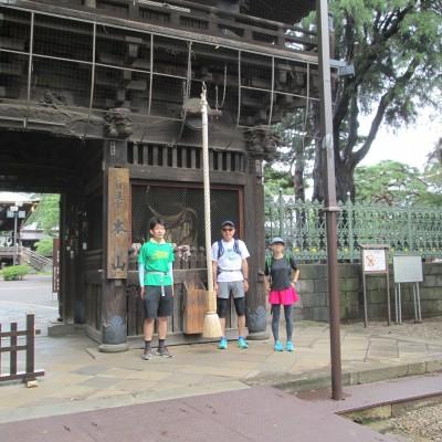約2kmが堀之内の妙法寺、厄除けと健脚を祈願する名所です。