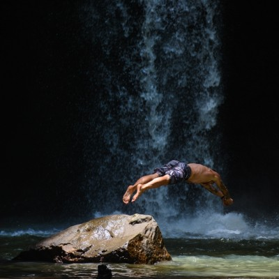 大人チャレンジ 嵐山ーポンポン山トレイル 涼しい川辺でBBQ