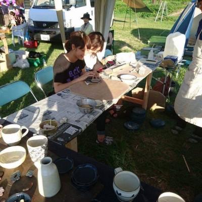 陶芸づくりやネイルアートなどのワークショップ