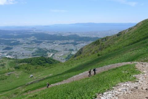 【裸足登山挑戦者歓迎】伊吹山スローハイク【子どもから大人まで一緒に】