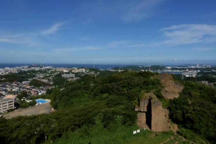 鷹取山展望台より