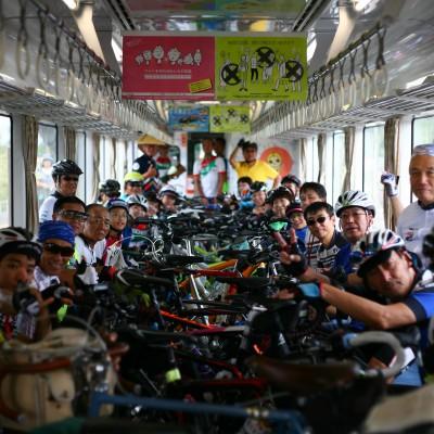 自転車をそのまま乗せて、夜須駅から奈半利駅まで♪列車は専用列車となります!