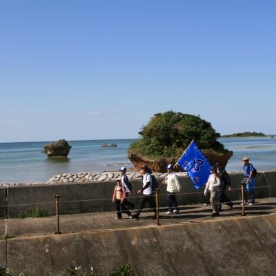 海を眺めながら歩くコース