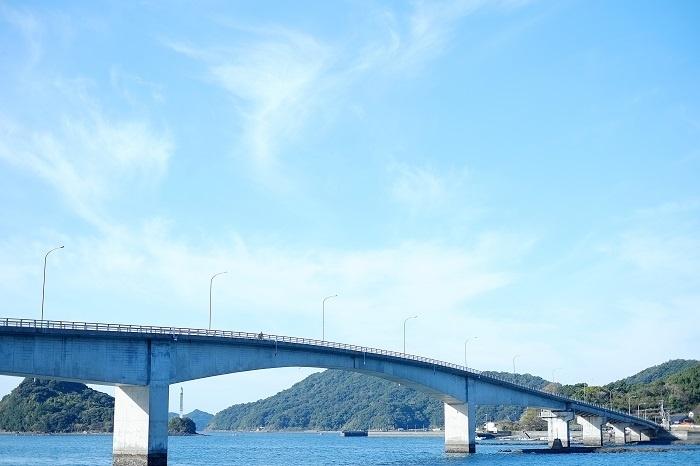 御所浦島と牧島に架かる中瀬戸橋