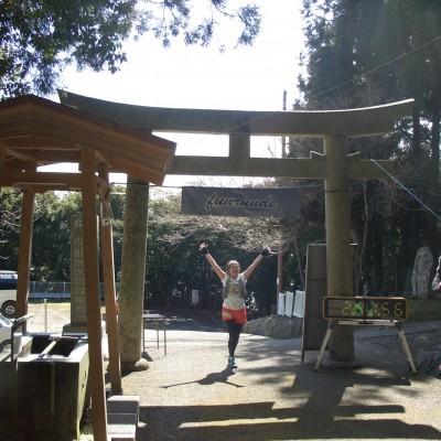 神社鳥居にゴーール