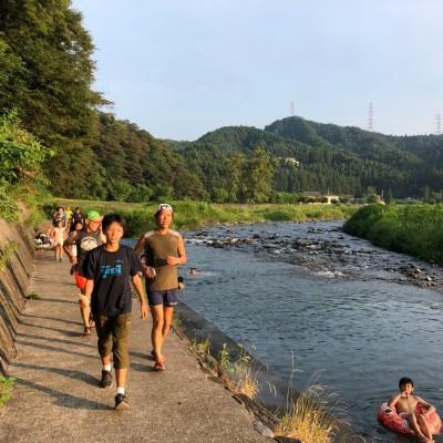夏は川沿いとか。