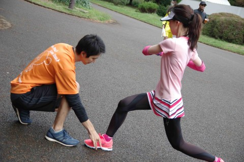 マラソン教室 膝の怪我予防エクササイズと400mインターバルラン 代々木織田フィールド
