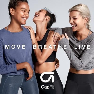 2FにあるGapのスポーツウェアラインGapFit(ギャップフィット)は、ランニングやヨガを始めとするさまざまなエクササイズに最適にフィットする機能性とデザインを兼ね備えたアイテムを提供しています。