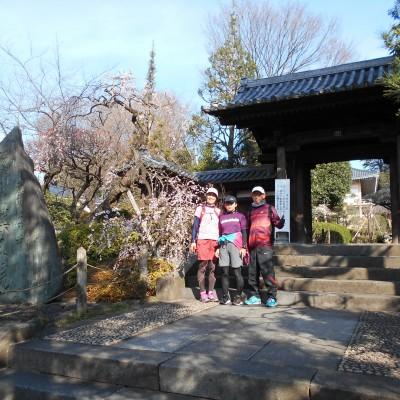 4km付近は季節の花が楽しめる、落合の薬王院です。