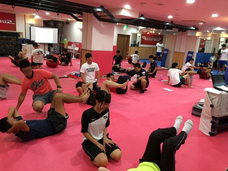 【5月4日】パフォーマンスアップ・ケガ予防の為の体幹・股関節のトレーニング
