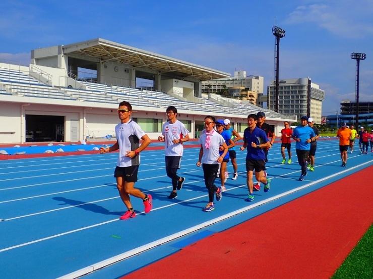 第15回はだの丹沢水無川マラソン大会アドバイザー青山剛コーチの「体幹で走れるカラダづくり」セミナー