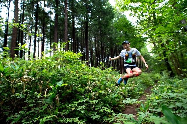緑が美しい奥武蔵の山々を走ります