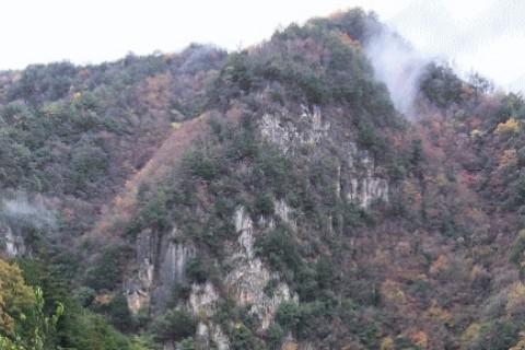 赤目四十八滝と香落渓 紅葉トレイル 約25km (名張の湯 入浴券付き)