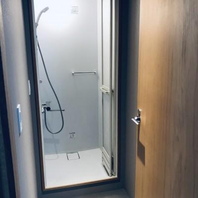シャワー更衣室