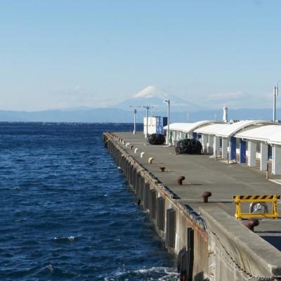 スタート地点の伊豆大島「岡田港」