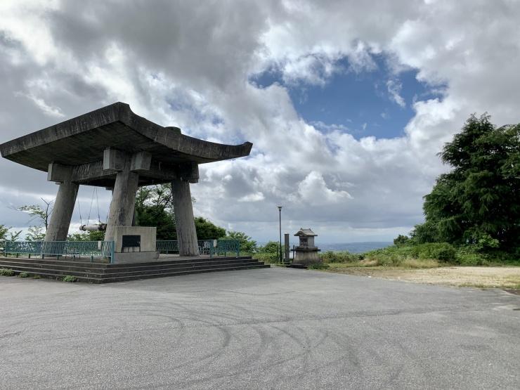 集合場所(鉢伏山駐車場・平和の鐘)